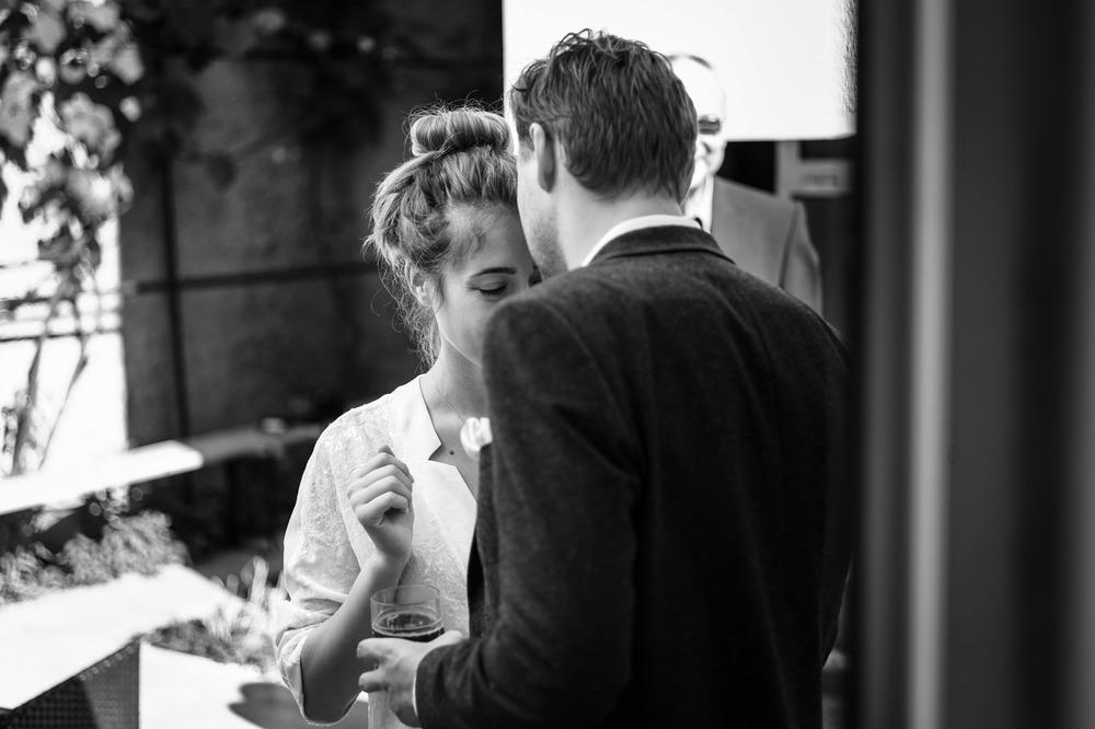 01_Wedding-Reportage-Couple-Preparation-Portrait.jpg