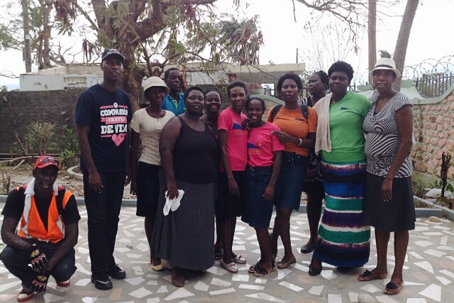 The team of volunteers that facilitated the distribution