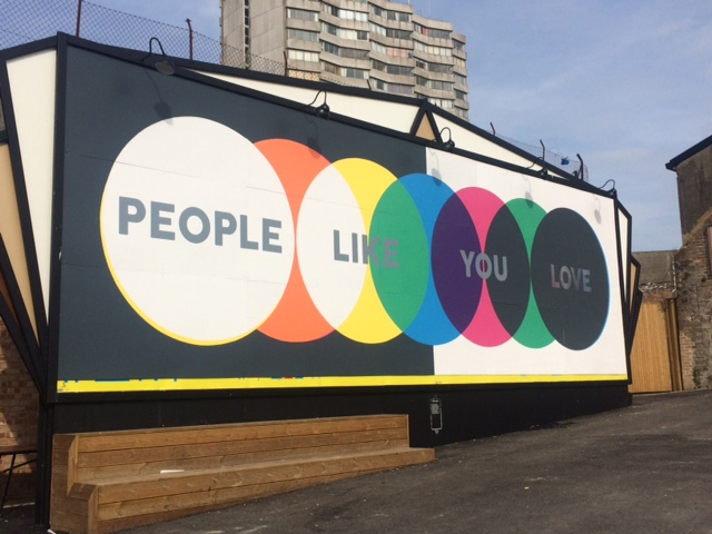 EDITION 1/6 MURAL-BY-THE-SEA 'PEOPLE LIKE YOU LOVE' BY JACOB LOVE