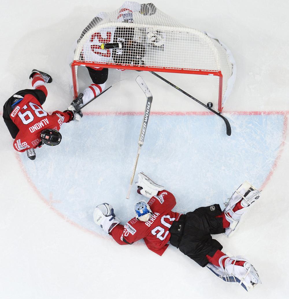 Ice Hockey -
