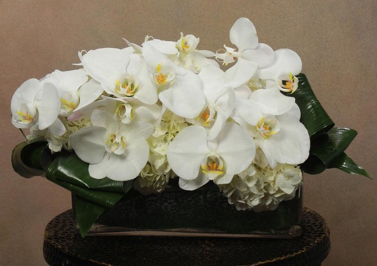All white floral arrangements in nyc white flower in midtown nyc flower delivery flower delivery nyc flower delivery nyc mightylinksfo