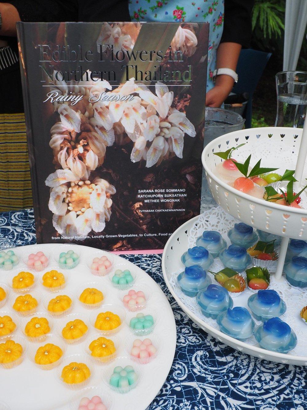edible flowers book.JPG
