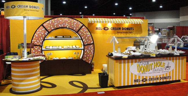 booth_with_product.16772533_large.jpg