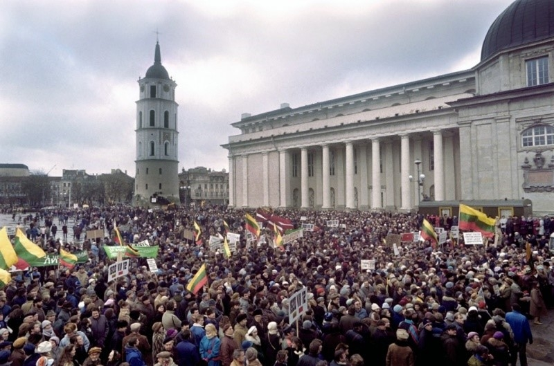 Lithuanians gather at Cathedral Square in Vilnius during The Singing Revolution
