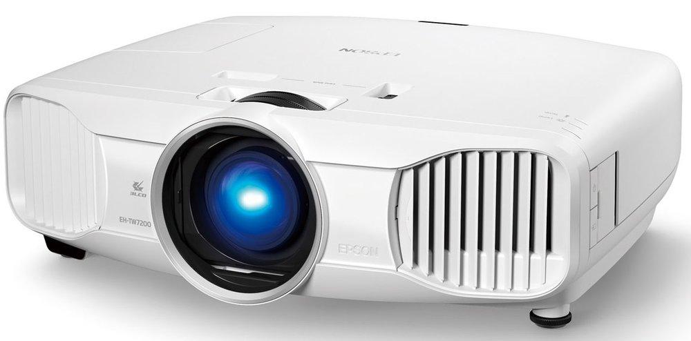 Noleggio Videoproiettore - In offerta da 29,99€Videoproiettori Full HD LCD o LED e cavetteria per collegamento a PC o MAC.