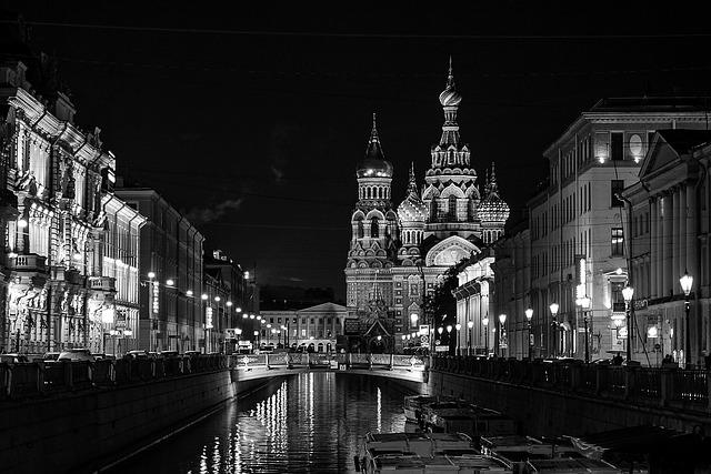 St Petersburg is beautiful by night