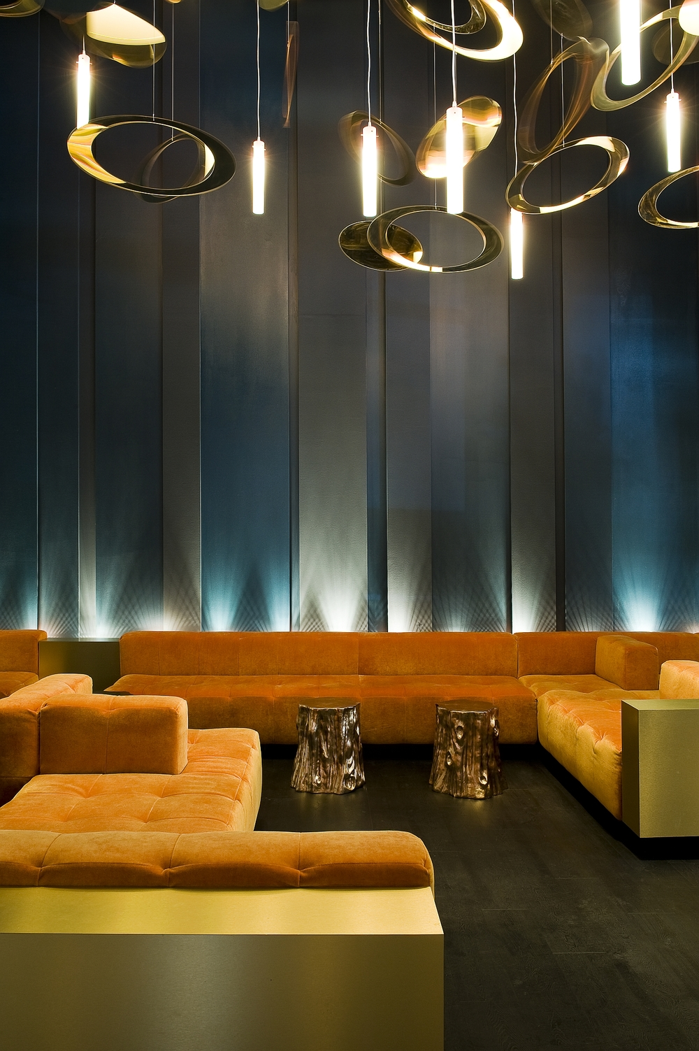 10. O lounge seating.jpg