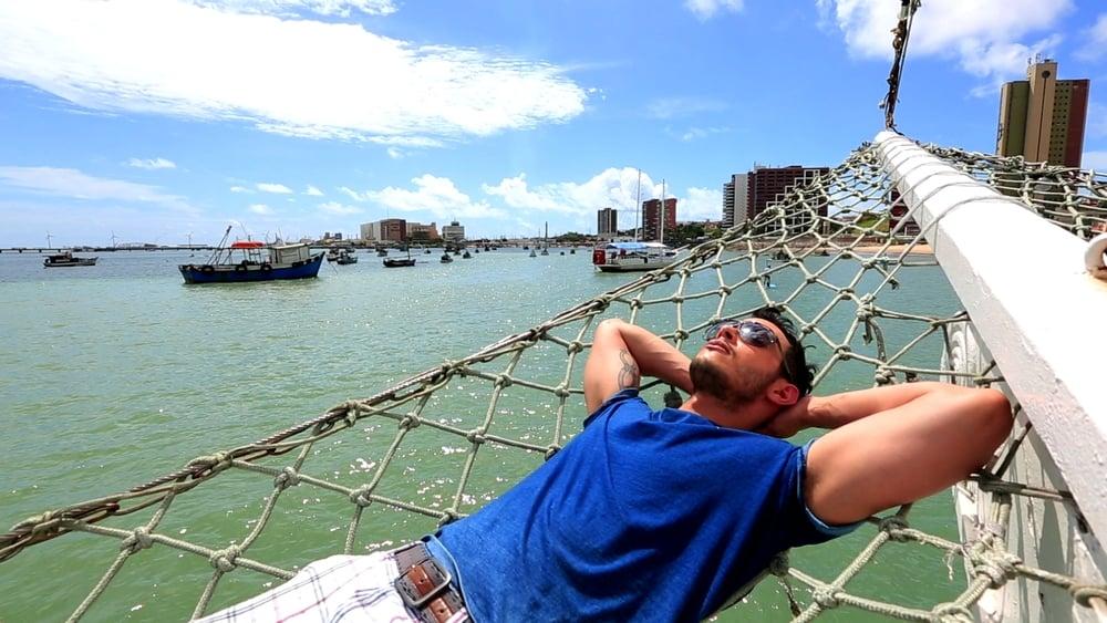 Harry 6 acostado mar.jpg