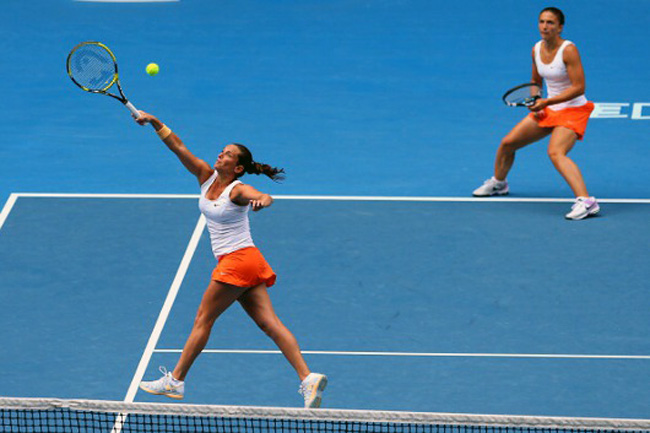 Roberta Vinci goes for the ball.