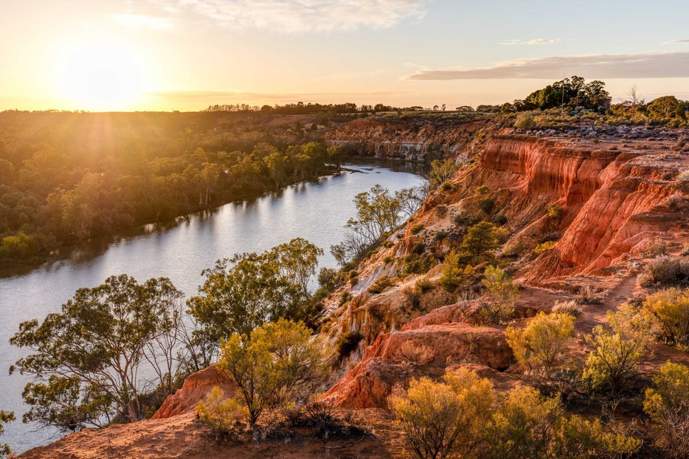 Murray River Walk cliffs sunrise12.jpg