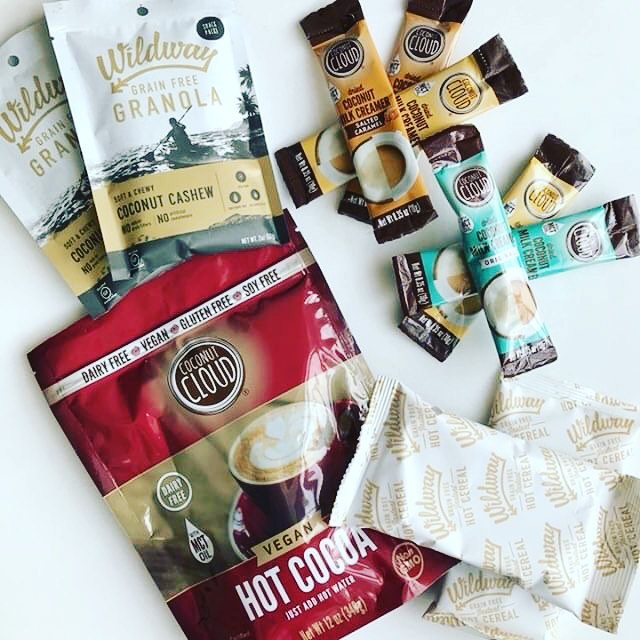 It's the week of Thanksgiving, aka a perfect time for a ✨GIVEAWAY✨ . . . So, not all of us eat Turkey, so here's a Coconut Crazed 🥥 #vegan prize pack featuring @wildway soft and chewy Coconut Cashew granola, Toasted Coconut hot cereal, and our coconut coconut creamer sticks (multiple flavors!), and NEW vegan hot cocoa!! . . . These products are sure to fill and warm your tummies up this holiday season! Now for the important stuff — how to win! . . 1. Follow @thegreengals , @wildwayoflife , and @coconut.cloud 2. Like this picture  3. Tag a friend you're THANKFUL for! 4. Tag another friend for bonus entries  5. BONUS: tell us what you're most looking forward to this Thanksgiving - it can be an activity, food dish, etc! . . Giveaway closes next Tuesday 11/27. US entries only.