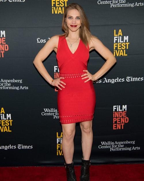 I totally had strep that day. #Sqarlettfever 💋 @welcometotheclambake #lafilmfestival