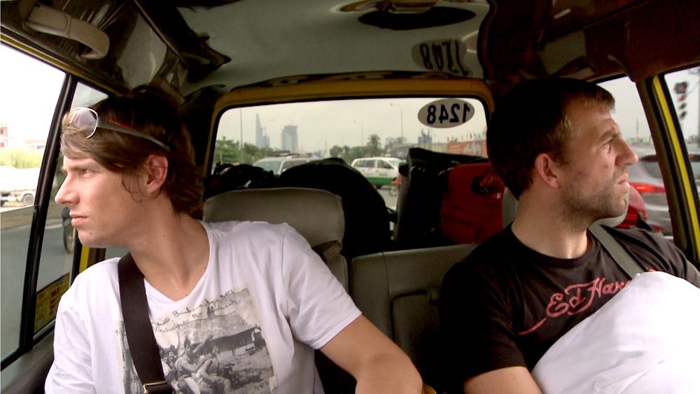 benni und micky im taxi 01.jpg