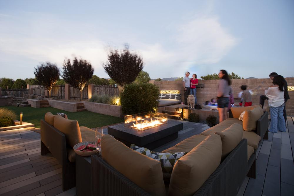 proj-resi-backyard1.jpg