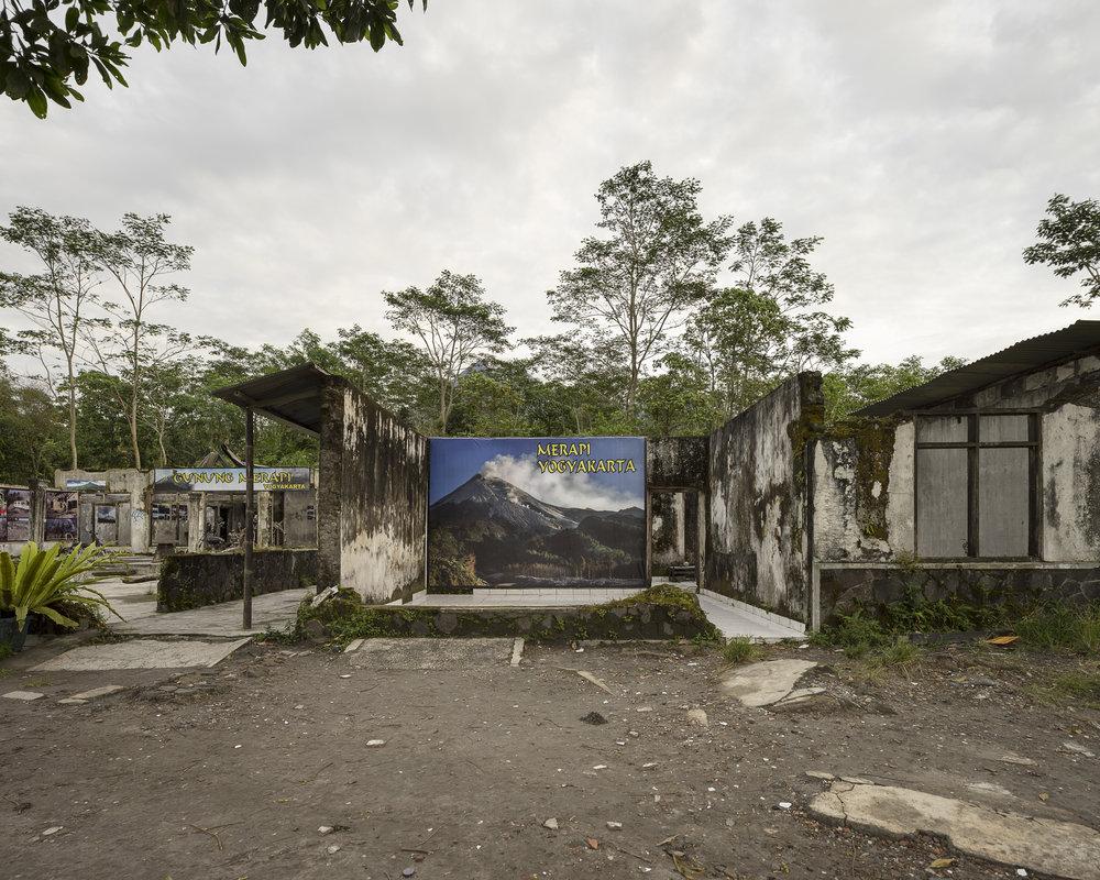 (Isidro Ramirez) House of Petung's headman (Lurah), Kepuharjo village, Yogyakarta.jpg