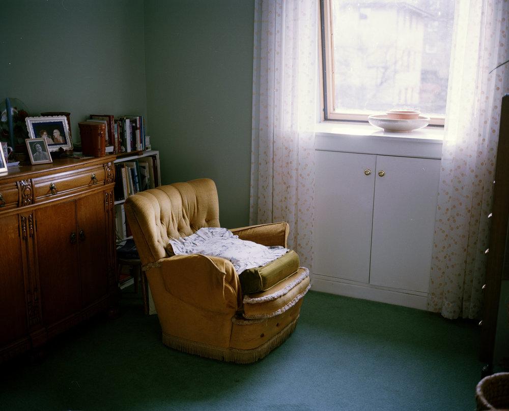 the+death+of+georgina+thomson,+brunstane,+edinburgh,+scotland-from+the+series+'family'+David+Chancellor.jpg