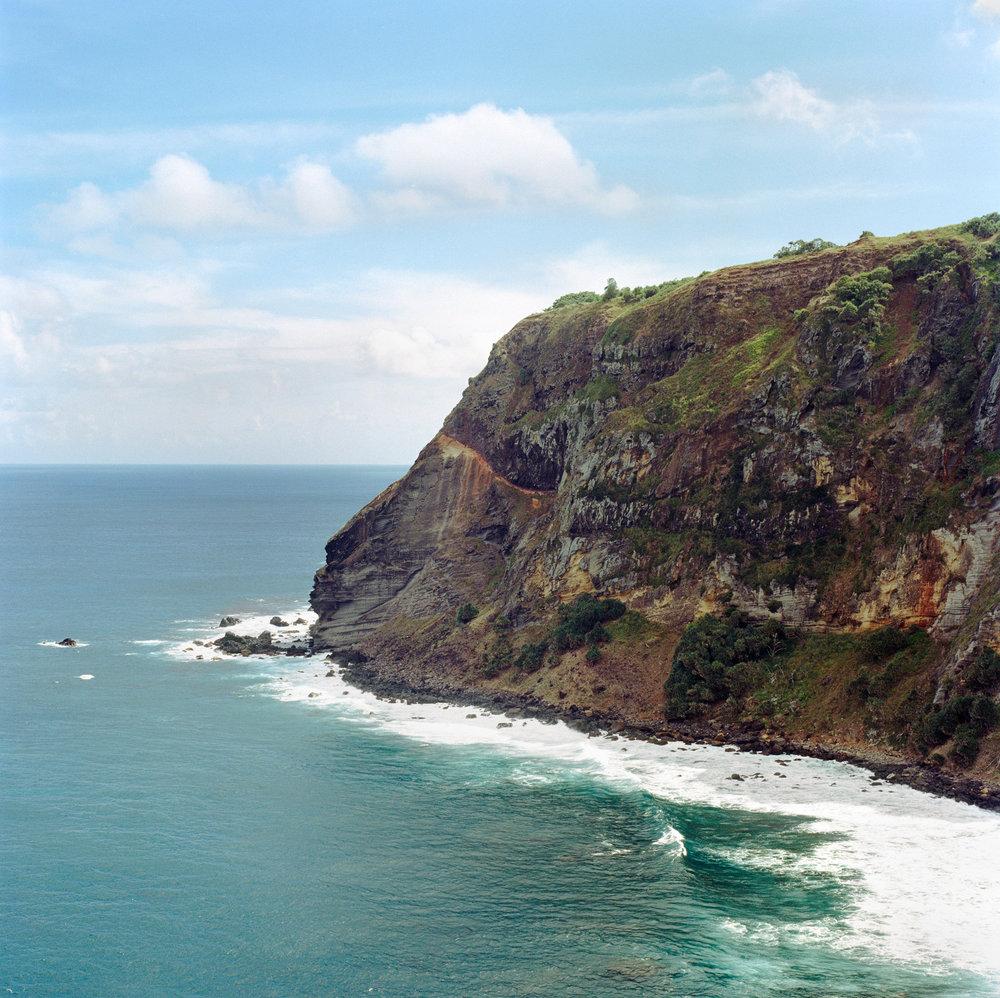 0. Aute Valley, Pitcairn.jpg