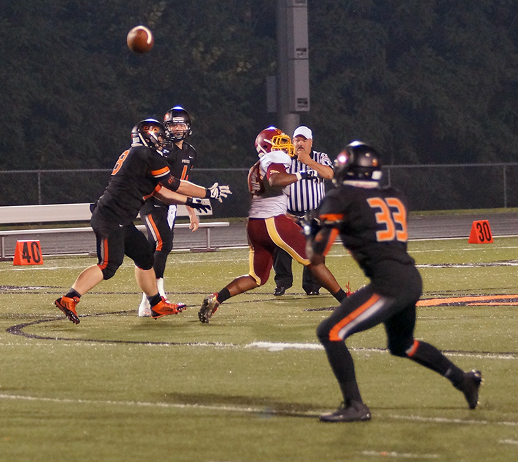football-v-Winnetonka-137.jpg