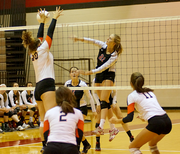 Volleyball-v-Park-Hill-350.jpg