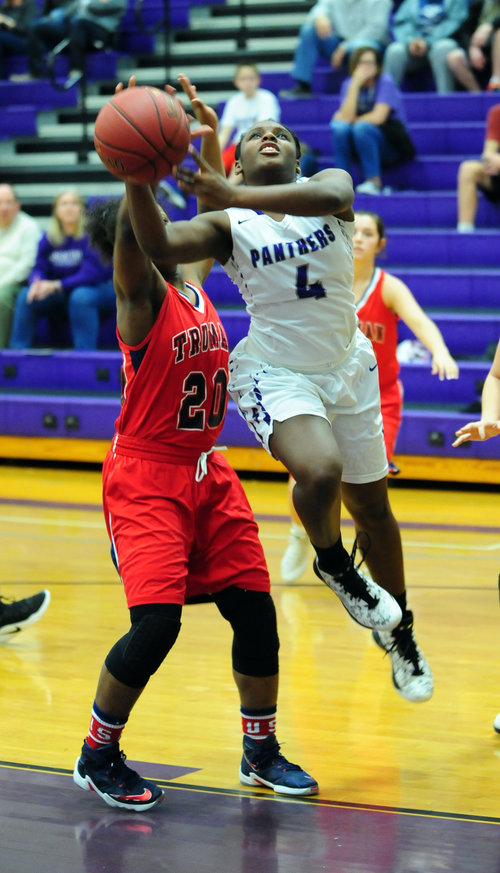 Park Hill South girls staying near top of Red Division standings Image