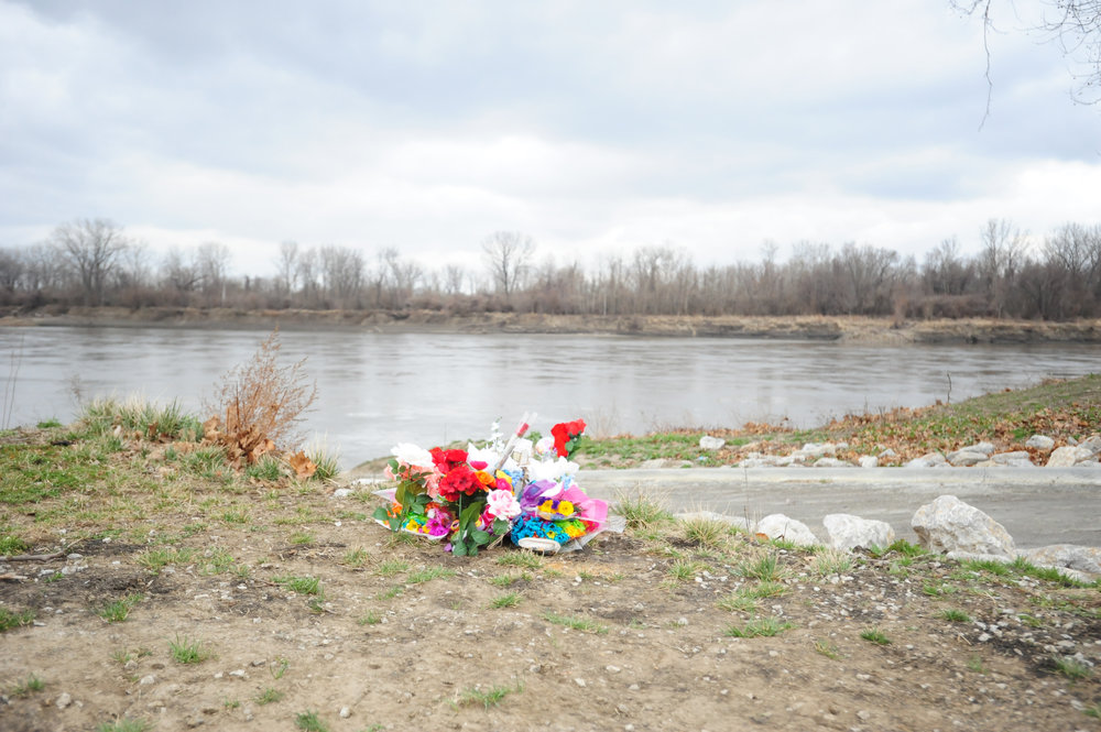 NICK INGRAM/Citizen photo A makeshift memorial has been set up next to the boat ramp at Platte Landing Park in Parkville, Mo. near where authorities recovered the car of Toni Anderson with a body inside. Anderson had been missing since January.