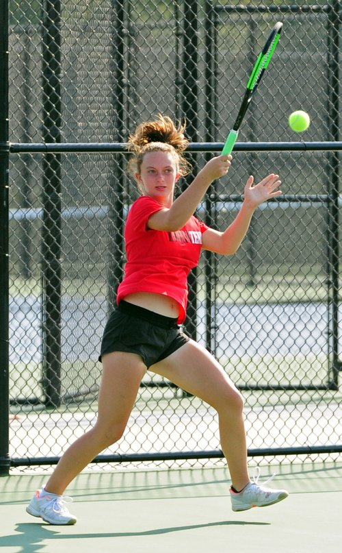 Park Hill tennis' Markowitz tops Valentine in dual with Platte County Image