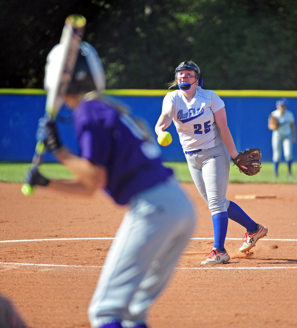 NICK INGRAM/Citizen photo West Platte sophomore Karah Dunham delivers a pitch to North Platte senior McKenna Fulton.