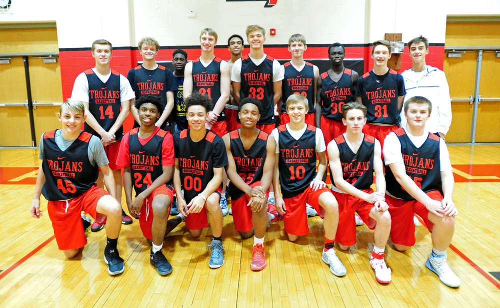 Front row, from left: Drew Townsend, Nyk Bryant, Tavian Josenberg, Cameron Mack, Ryan Kiser, Eston John and Blake Elliott. Back row, from left: Ryan Graves, Gabe Bruce, DeVon Hassan, Nic Zeil, Cecil Lee, Mitch Baack, Mike Engelbert, Teng Akoi, Jake Evans and Kory Habiger. Not pictured: Haden Wallace, DaShaun Powell, Ronnie Bell, Davis Suppes, Peyton Sonsa and Antonio McCullough