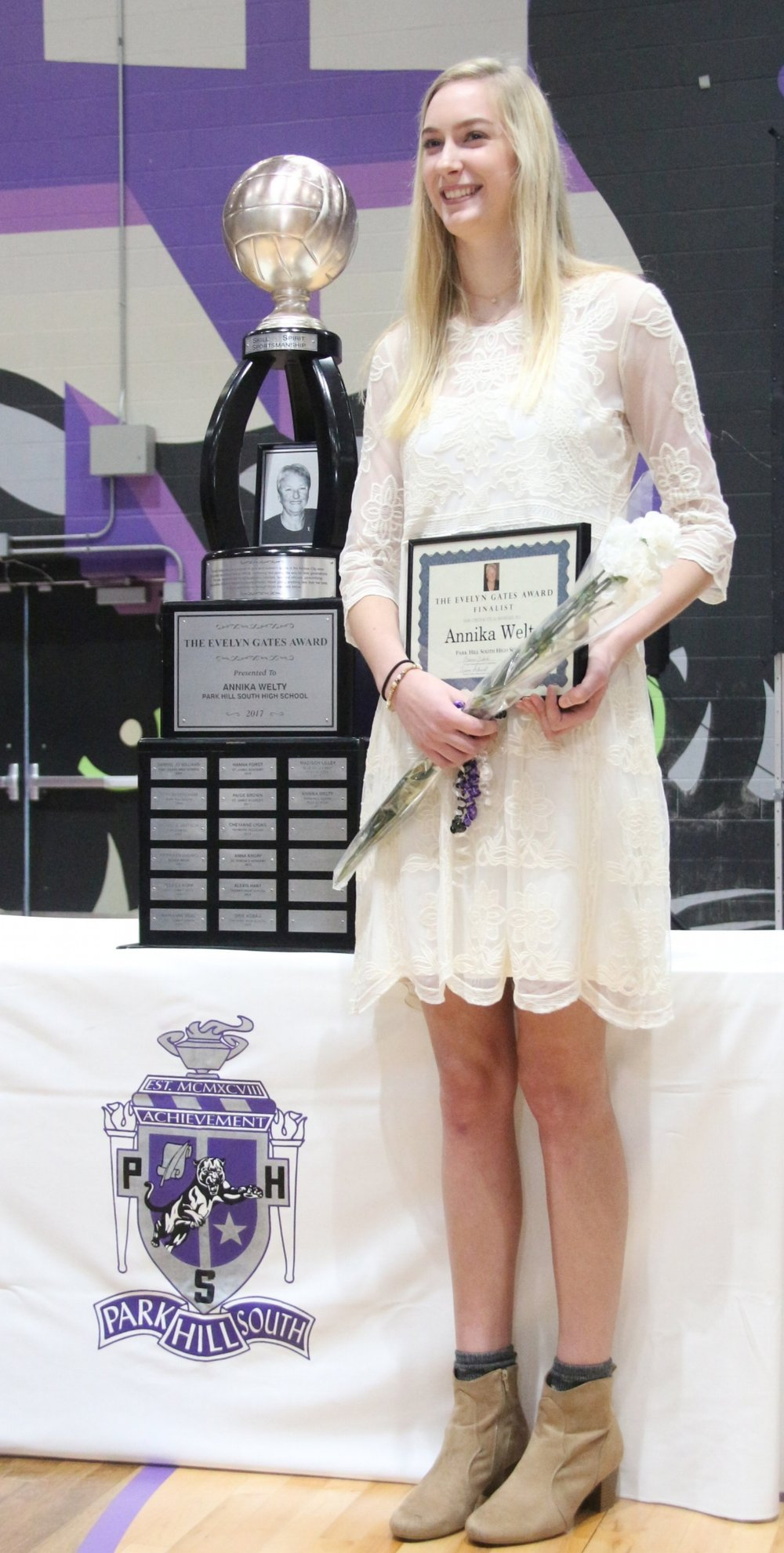 ROSS MARTIN/Citizen photo Park Hill South senior Annika Welty was awarded the Evelyn Gates Award, given to the top high school volleyball player in the Kansas City metro area, at a ceremony held Thursday, Nov. 16 at Park Hill South High School in Riverside, Mo.