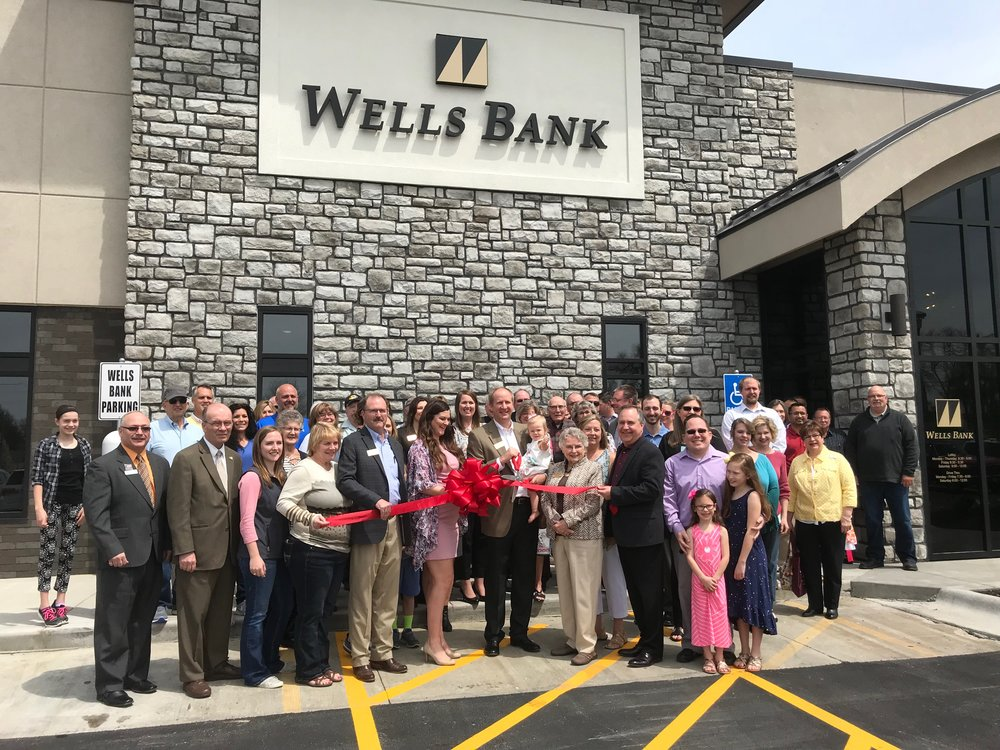 BRYCE MERENESS/Citizen photo Wells Bank celebrated a ribbon cutting at its new headquarters at 1100 Branch Street on Thursday, April 26. Wells Bank has served Platte City for nearly 140 years.