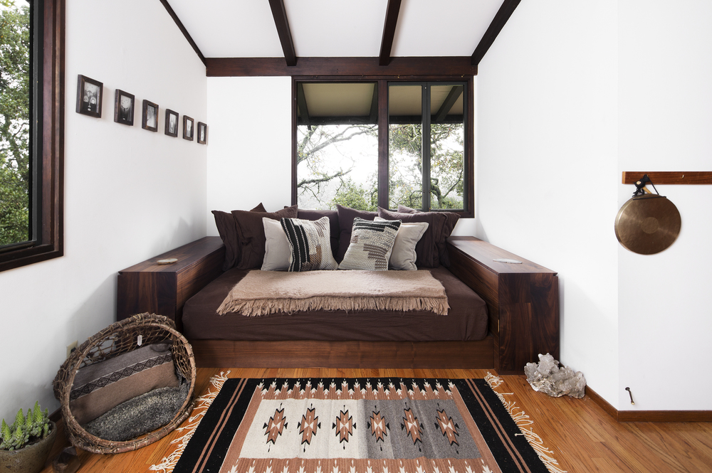 Exceptional Couch_FLAT(2)