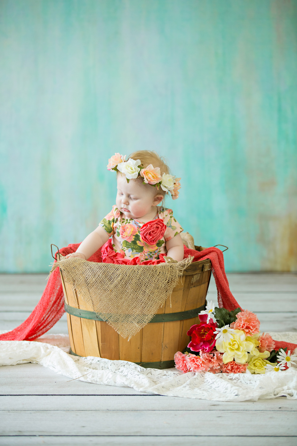 baby in a bucket picture hillary frost photography.jpg