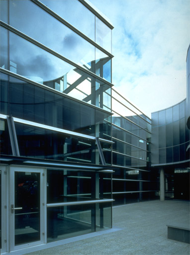 Corning-Glass-Center-3.jpg