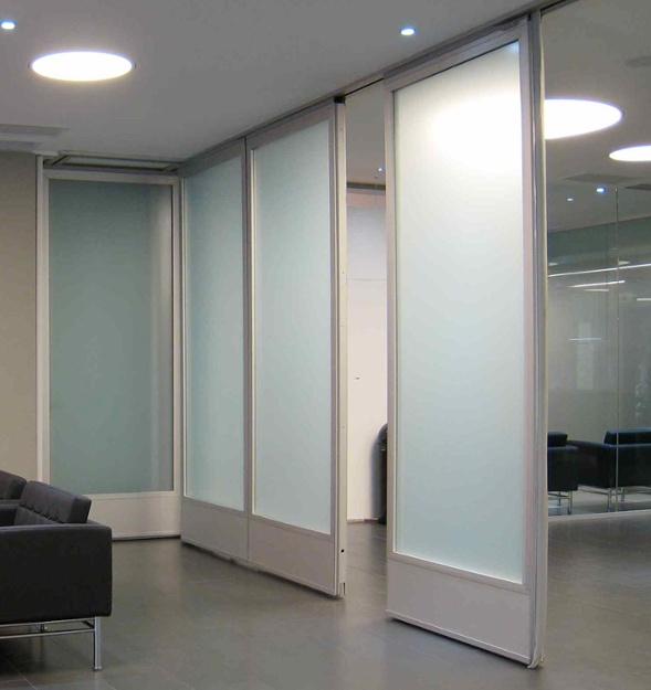 glass_wall-glass_partition_walls-mcgill-hufcor.jpg