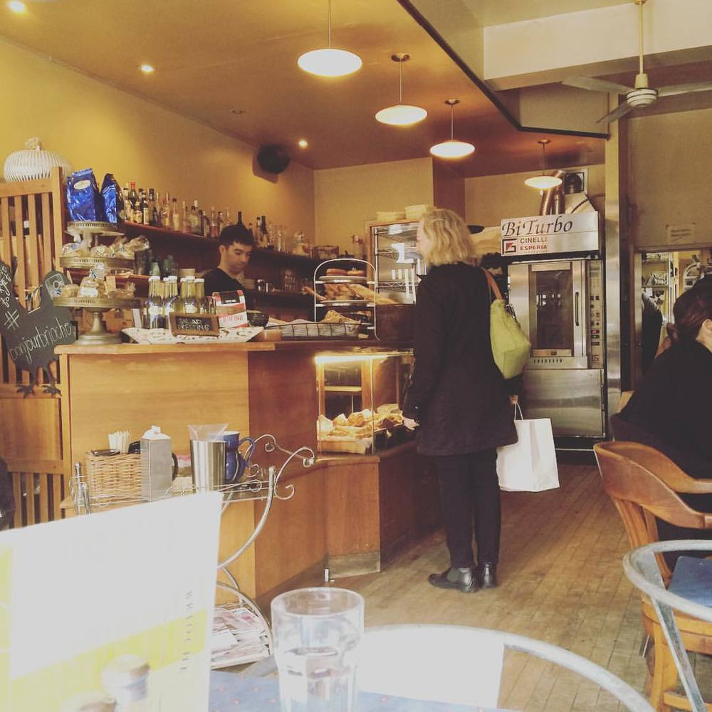 #bonjourbrioche in #leslieville right across from our #remax hallmark office. Great good. Great eats. Great clients. #downtownTOliving #southriverdale #realestate #coffeeculture #dineto #toronto (at Bonjour Brioche)