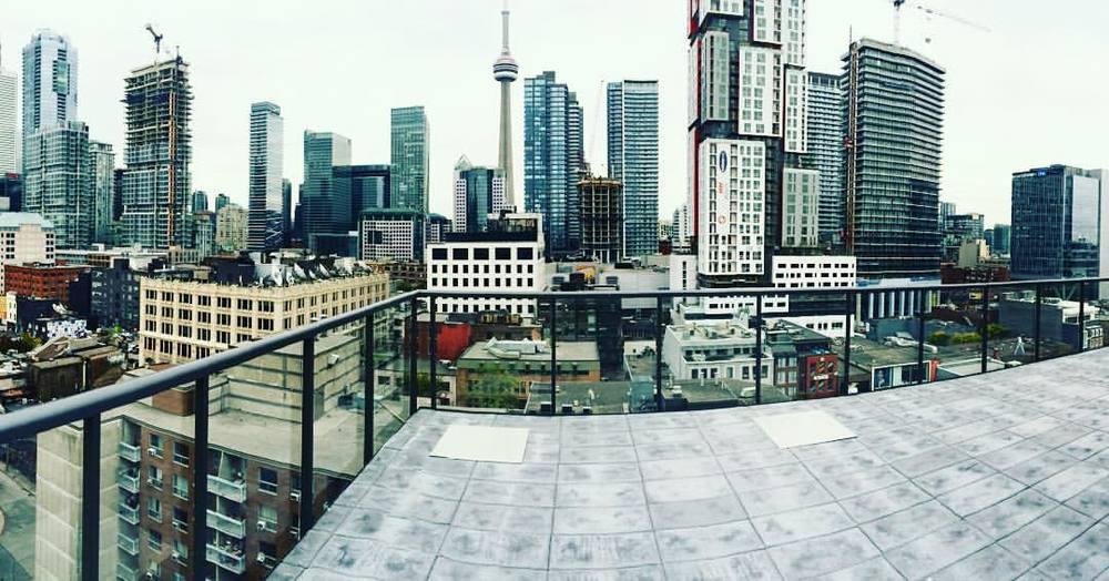 #pano picture taken from the rooftop of #12degrees located at #queen and #Beverley. This is going to be a hot building when it's done. Boutique #loft style #condos located in central  #queenwest #downtownTOliving #toronto #torontocondos #torontorealestate.      Ask us about another off market opportunity listed for 10 percent lower then market value. WITH PARKING. 👏🏼👏🏼    #bestofto #igersoftoronto  (at 12 Degrees Condos)
