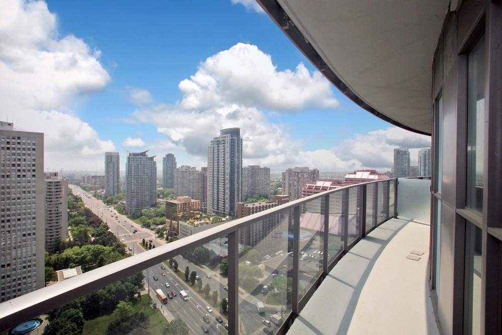 13614_balcony_1_20120524154334.jpg