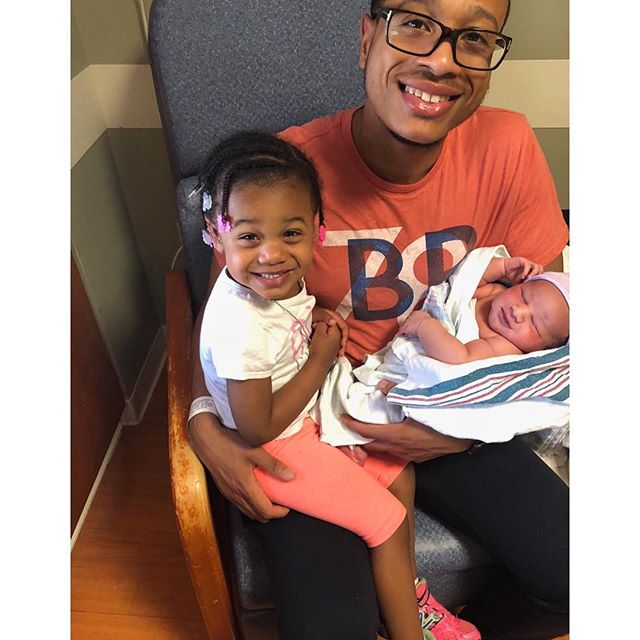 I'm an auntie again! My brother and his amazing fiancee welcomed my new nephew Musa! And Samia is so excited to be a big sister! Look at her little smile!!☺️☺️😍😍 Congratulations, @mr_adams_jh 😌😌😘😘