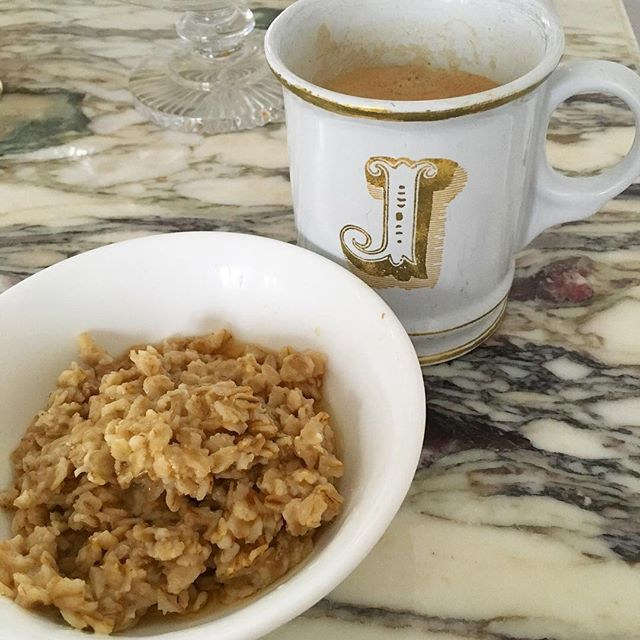 Good morning☀️#oatmeal #coffee #nespresso