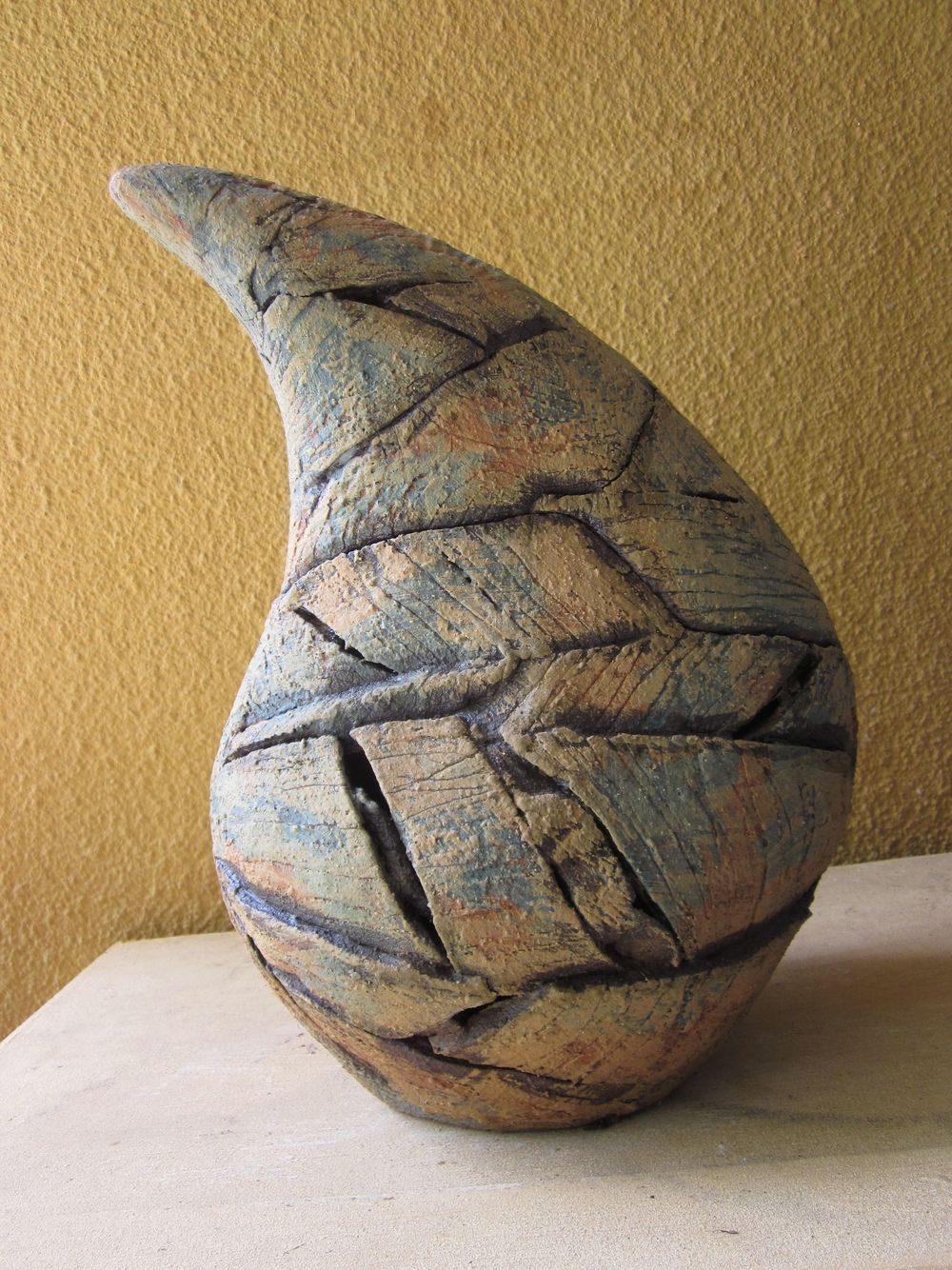 Anne Langridge, stoneware, slip and engobe decoraion