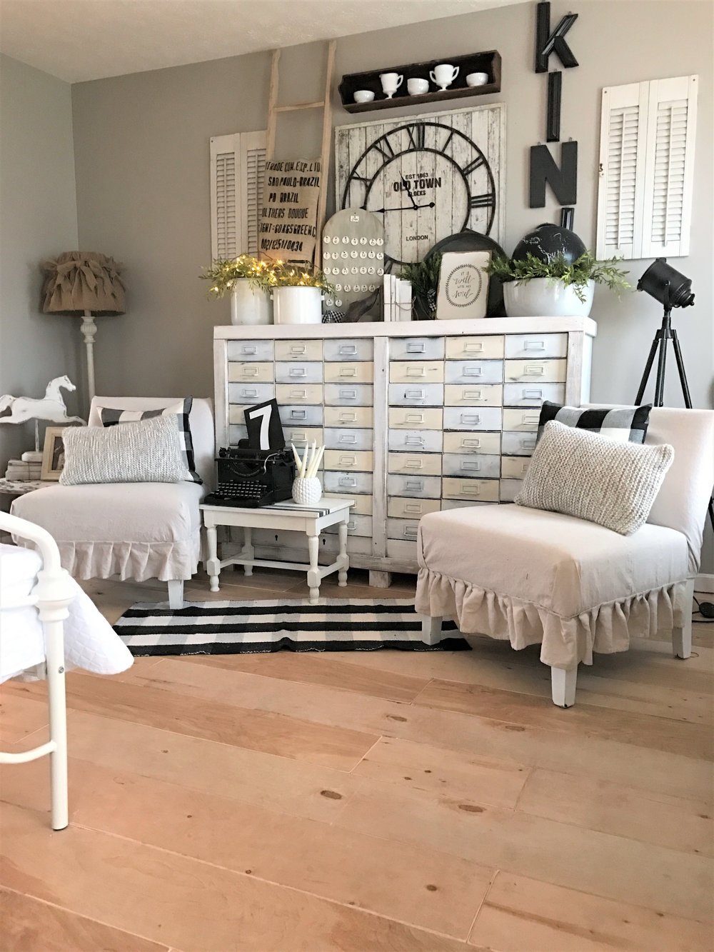 Winter Decor with Farmhouse Flair