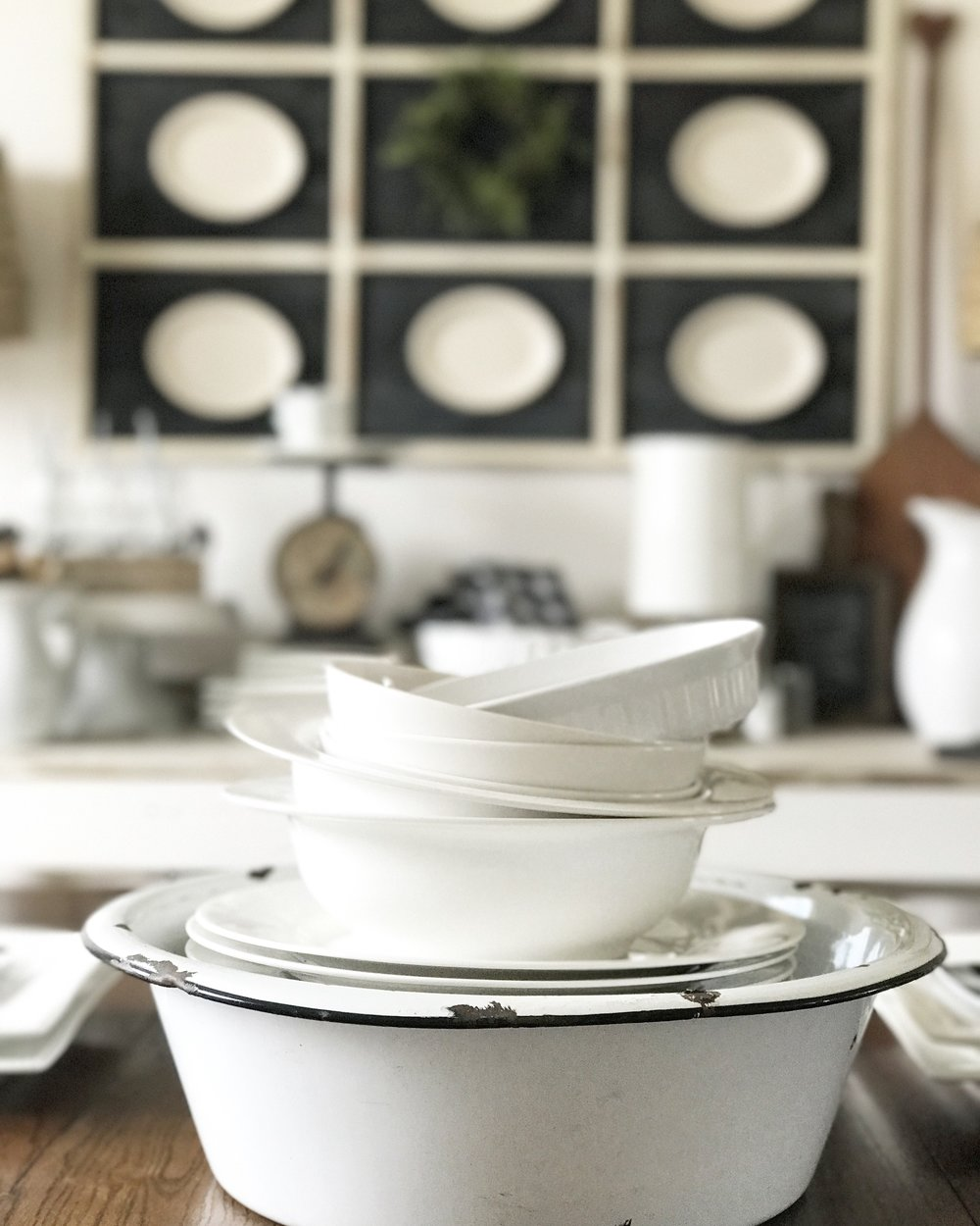 Farmhouse Enamelware Winter Dining Room