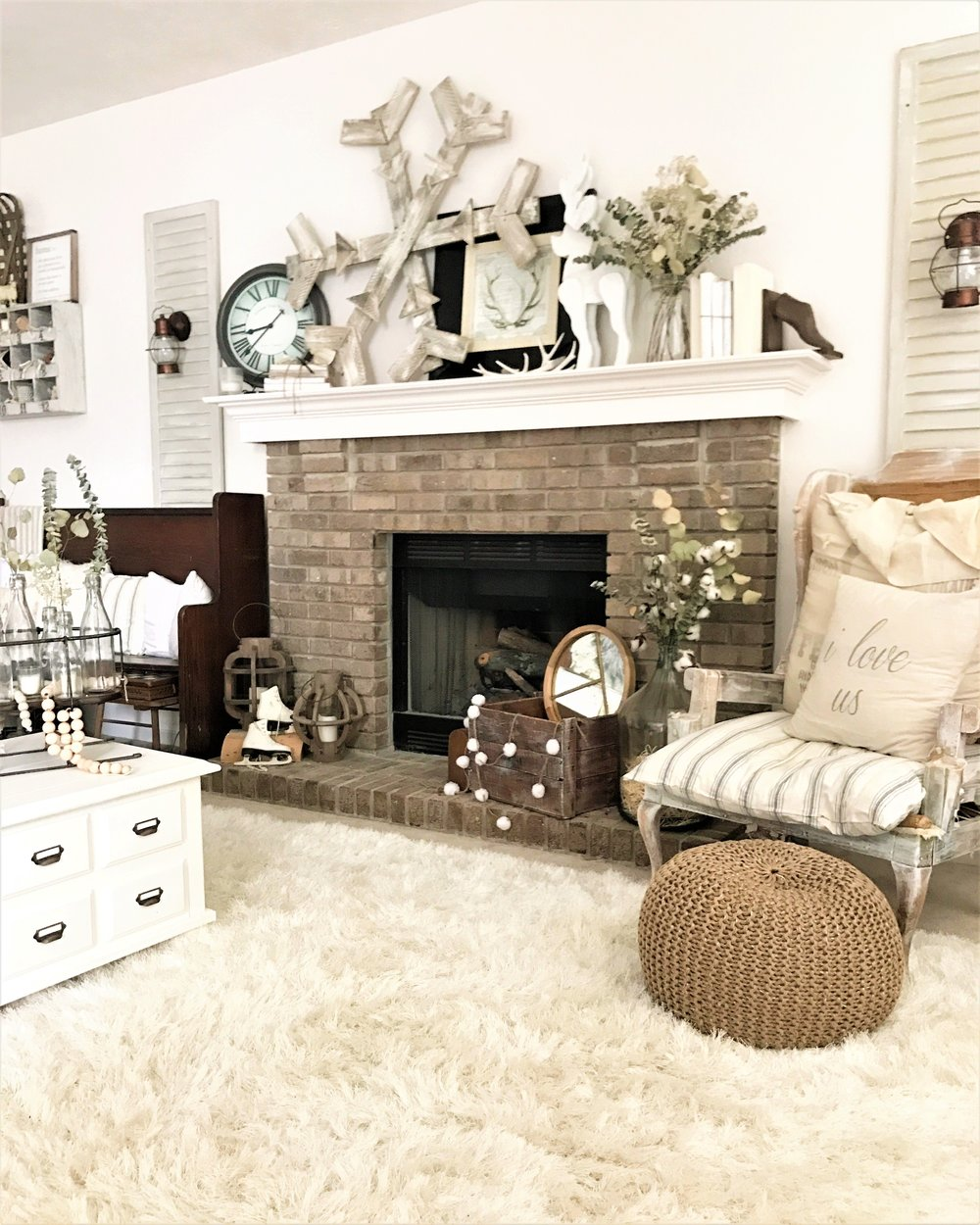 Winter Decor Farmhouse Living Room