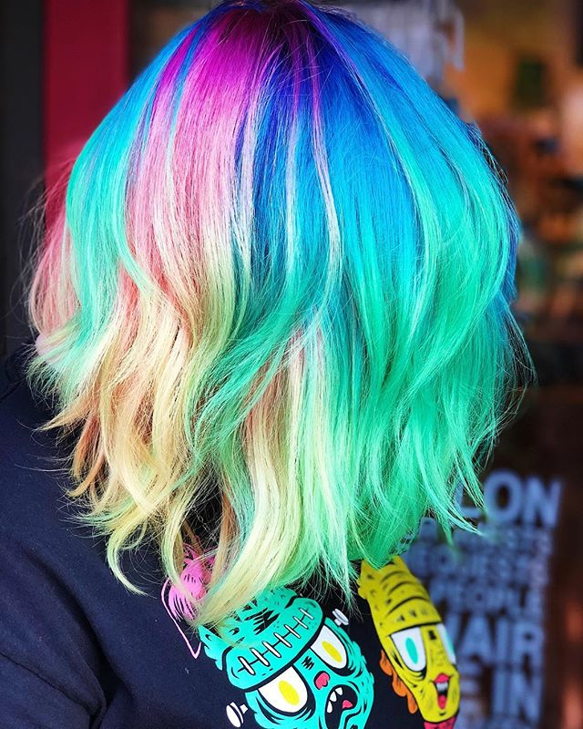 Well it's been a minute since I posted 😆 Here's a little neon rainbow magic to get back to it 🌈 🦄 #jshermansalon #unicorntribe #rainbow #rainbowhair #atlantahair #atlantahairstylist #pulpriot #pulpriothair