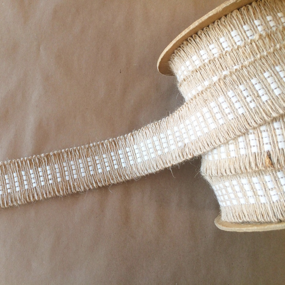 Basketweave Jute Loop Winter White