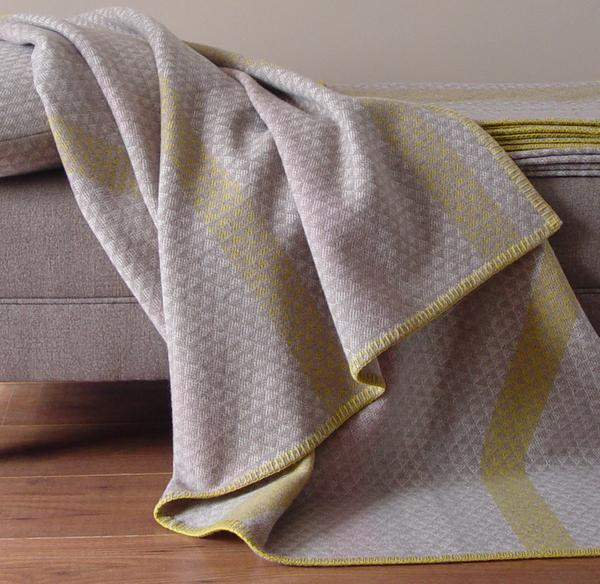L'ANCRESSE LAMBSWOOL THROW