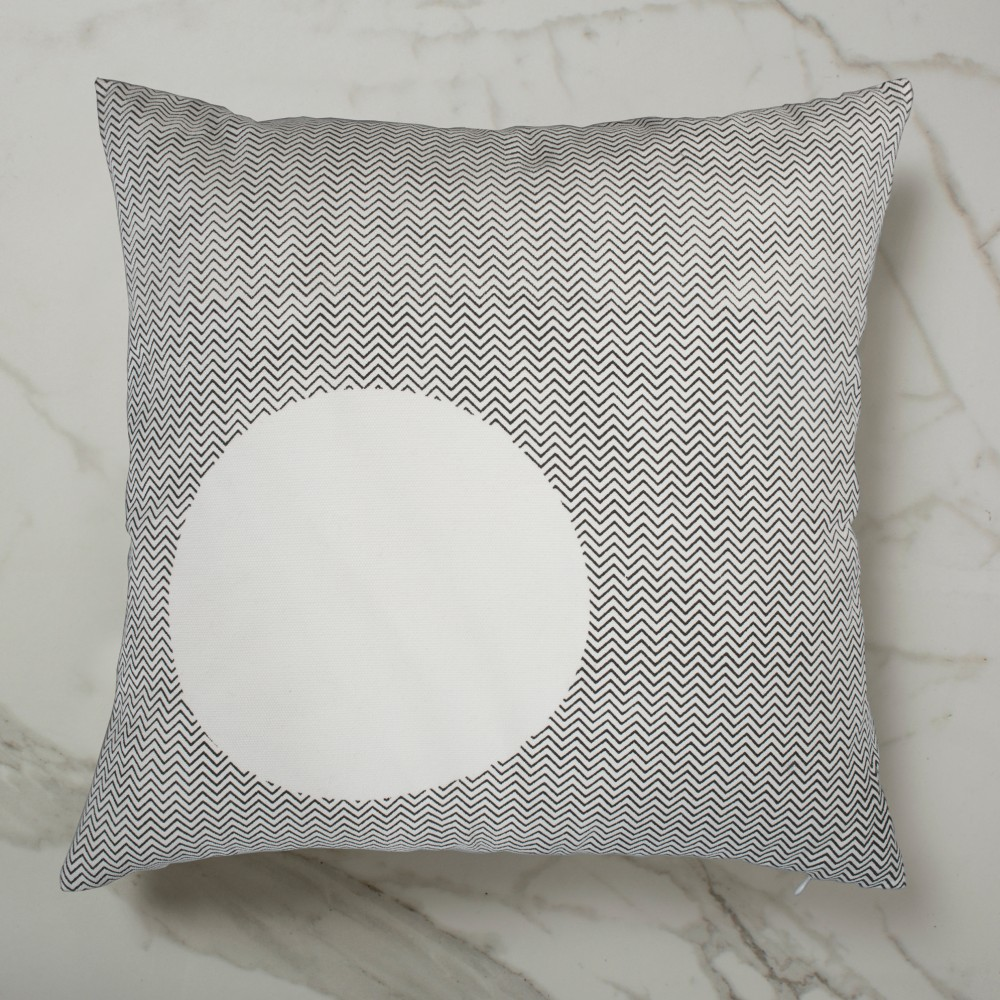 Curve Cushion - White Outside