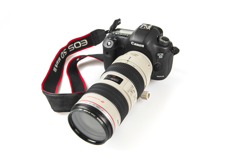 BIG, HEAVY, BETTER?: DSLRs like the Canon 5D Mark III bring complete manual control and exquisite high quality photos to the table. Unfortunately, DSLRs are not as versatile and cost an arm and a leg. What kind of camera would you prefer to own to meet your needs?