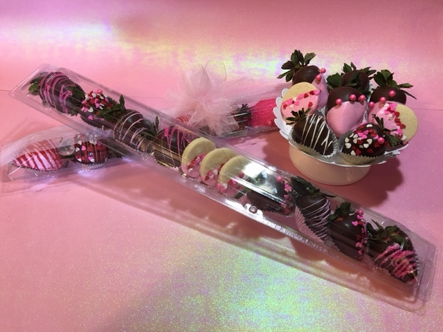 Chocolate Covered Strawberries - La Petite Confections.JPG