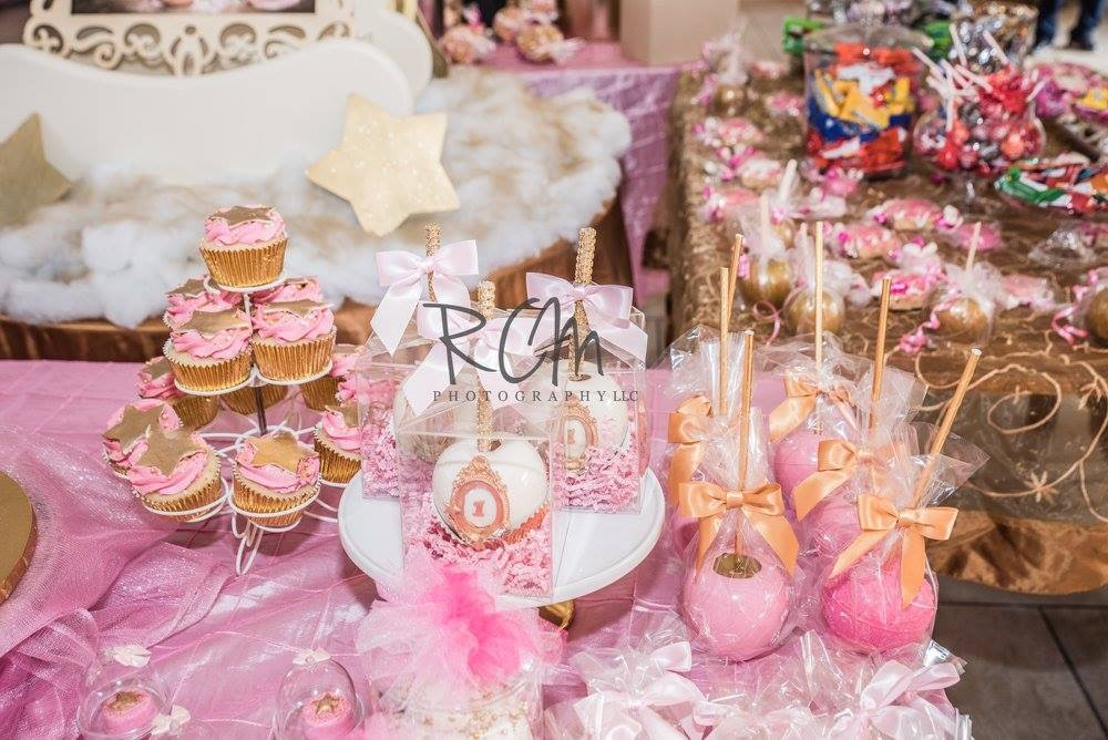 Pink Sweets Table - La Petite Confections .JPG
